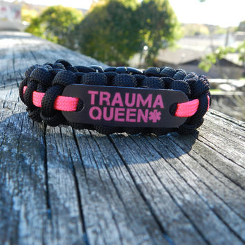 Trauma Queen 550 Paracord Bracelet
