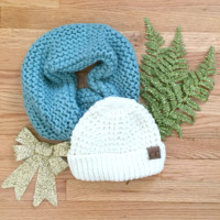 White Tahoe Knit CC Beanie Gift Set in Blue