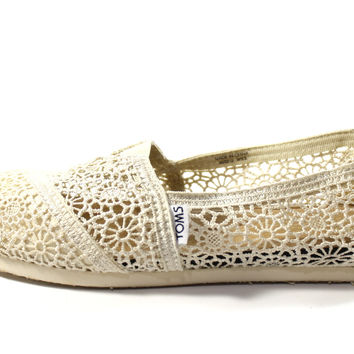 Toms Women's Classics Natual Morocco Crochet Casual Shoes