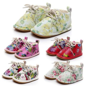 2017 Beautiful Baby Sneakers First Walkers Shoes Baby Girls Boys Floral Crib Shoes Soft Sole Anti-slip Sneakers Sapatos Menina