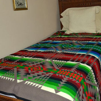 Pendleton Wool Blanket - Beaver State  - Colorful Indian Blanket - Vintage Between 1932 to 1972 - Cabin Lodge Ready