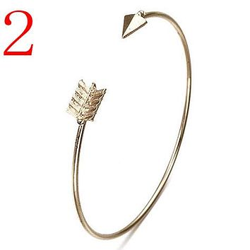 Vintage Cuff Bracelet Bangles For Women Brief Gold Color Open Arrow Knotted Charms Bracelet Jewelry Valentines Gift