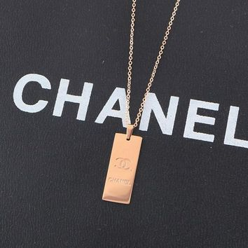 8DESS Chanel Women Fashion Plated Necklace Jewelry
