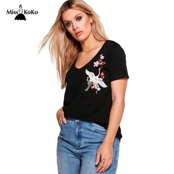 Misskoko 2017 Plus Size Women Clothing Hot Summer Casual Pretty Embroidery T-shirt Brief V-neck Women Tops Big Size 3XL-7XL