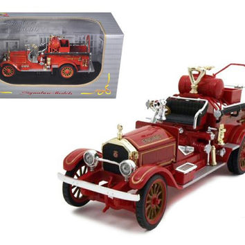 1921 American Lafrance Fire Engine 1-32 Diecast Model Car by Signature Models