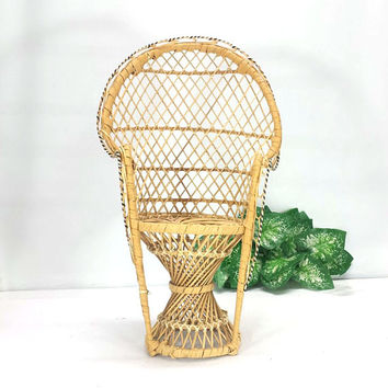 Emmanuelle Peacock Chair Wicker Rattan Plant Stand Small Flower Pot Side Table Indoor Garden Woven Wood Boho Chic Retro Decor Doll Bear Size