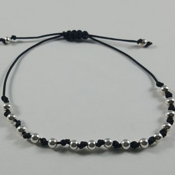 Laurel Beaded Knot Friendship Bracelet