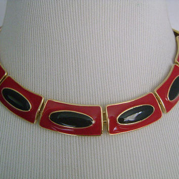 Fabulous © MONET Vintage Retro 70's Shiny Gold Tone Metal Enameled Red Lipstick and Black Enamel Color Panel Link Cleopatra Collar Necklace