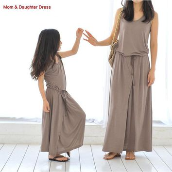 New 2018  Family Look Mother Daughter Dresses Casual Summer Style Family Matching Outfits Sleeveless mum and daughter clothes