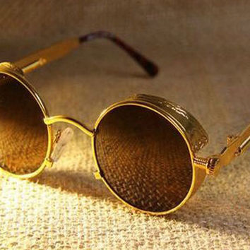 Vintage Style Gold Round Sunglasses with Antiglare Shield