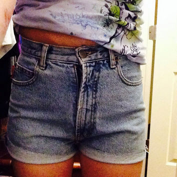 Women's High Waisted Cuffed Bongo Shorts Size 5