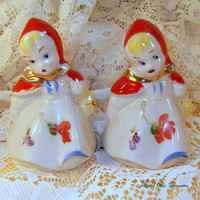 VINTAGE Salt and Pepper Shakers HULL by EllensAtticTreasures