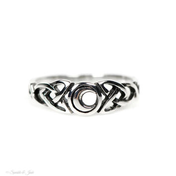 Sterling Silver Antiqued Celtic Knot Crescent Moon Ring
