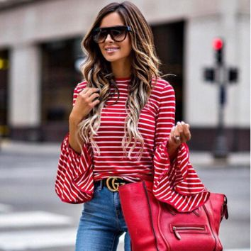*Online Exclusive* flare Long sleeve casual top