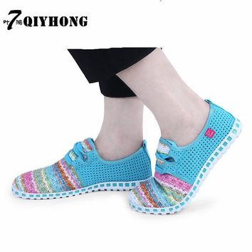 QIYHONG2017 Summer Women'S Shoes Mesh Color Bar Breathable Fashion Selling Light Flat Shoes  Large Size (35-44)
