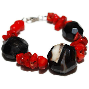 OOAK  Red and Black Chunky  Beaded Bracelet by chumaka on Etsy
