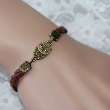 cute owl bracelet, silver/bronze charm bracelet, colors available, Harry Potter style bracelet, cute gift for every one