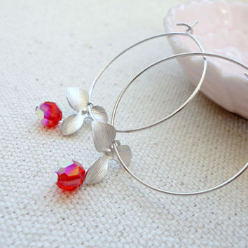 Small hoop earrings with flower and Swarovski crystals, Wedding jewelry, Bridesmaid earrings, Simple everyday earrings
