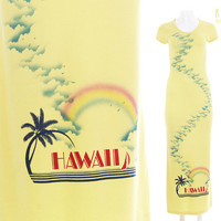 "1970's Hawaii Dress Yellow Rainbow Novelty Print Super Soft T-Shirt Maxi Women's Size XS- Small / 70's Retro Souvenir Tropical 29 - 35"" Bust"