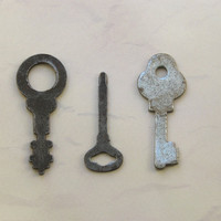 Set of three Vintage Metal Skeleton Keys - Iron - Furniture Supply - Steampunk