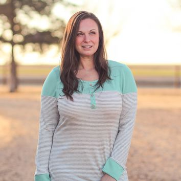 Lubbock Striped Color Block Top in Heather Grey Mint