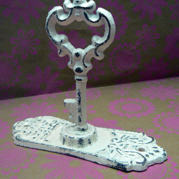 Shabby Chic Door Back Plate Skeleton Key Hook Jewelry Holder Curtain Tie Back Creamy Off White Towel Holder French Decor Paris