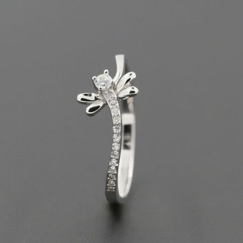 Dragonfly Rhinestone Fashion Ring - LilyFair Jewelry