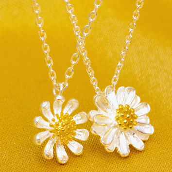 925 sterling silver chrysanthemum necklace,cute chrysanthemum necklace,a perfect gift