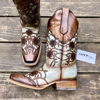 Corral Mint/Maple Flowers Overlay & Studs Boot