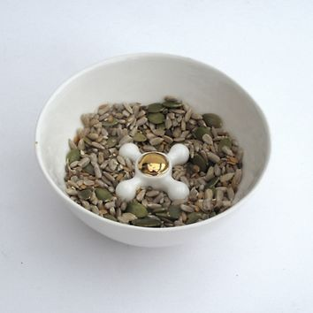Supermarket: Ceramic Bowl with Faucet Handle Decorated with Gold from Kina Ceramic Design