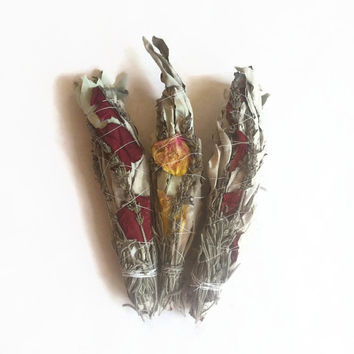 Herbal Smudge bundle // White sage, rose and lavender for ceremony and smudging // sage bundle, smudging