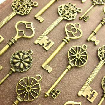 30 Large Skeleton Key Collection antiqued bronze vintage style wholesale wedding decorations