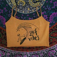 Surf Vibes alien yoga crop top
