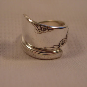 A Pretty Spoon Ring Size 8 1/2 Sidewinder Style Handmade Hippie Rings t351