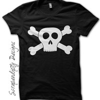 Boys Pirate Shirt - Skull and Crossbones Black Shirt / Kids Birthday Party / Boys Pirate Outfit / Girls Pirate Costume / Black Tshirt