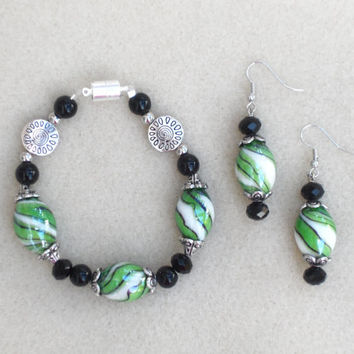 "Kandy Green - 2 Piece  8"" Bracelet and Earring Set"