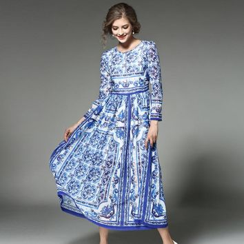 2017 early spring runway dresses fashion new blue and white porcelain print dress China Style o neck pleated long boho Dresses