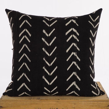 18 Inch Black and White African Mud Cloth Pillow Cover
