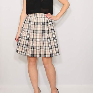 Pleated plaid skirt High waisted skirt with pockets Short skirt