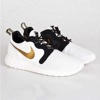 Nike Roshe Run Hyperfuse Gold Trophy Pack US6/US8 at KLEKT
