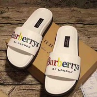 Burberry New fashion  women and men sandals plaid slippers canvas single shoe White