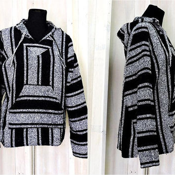 Baja Hoodie / size M / L  / surfer jacket / beachcomber / black gray / Mexican woven blanket sweater /  Hippie / Boho