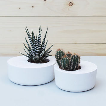 Set of 2: White Concrete Planters, Geometric Concrete Planter, Concrete Planters,  Minimalist style. Planter, Concrete planter