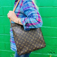 LOUIS VUITTON Looping GM Shoulder Bag