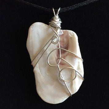 shell pendant-wire wrapped shell pendant-shell jewelry-wire wrapped jewelry-wire wrapped shell