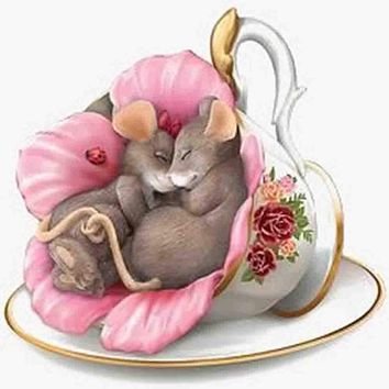 5D Diamond Painting Two Mice Teacup Kit
