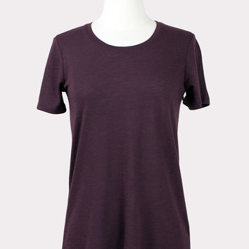 Back Slit Tee in Wine
