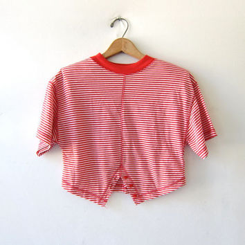 vintage 80s striped shirt. Cropped belly shirt. Red & white striped shirt. short sleeve top. buttons up the back shirt.