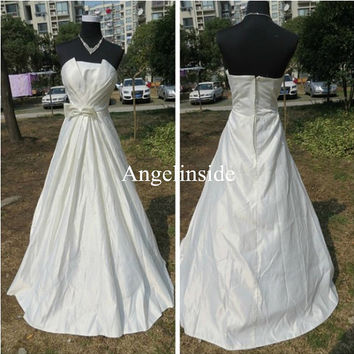 Bow Dress, White Wedding Dress, A Line Wedding Dress, Strapless Wedding Dress, Satin Wedding Dress, Elegant Wedding Dress