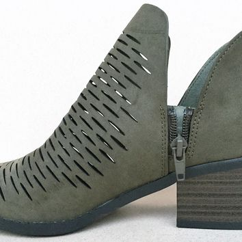 Chalk Womens Block Chunky Heel Pointy Toe Low Cut Ankle Bootie Boot Shoe Olive